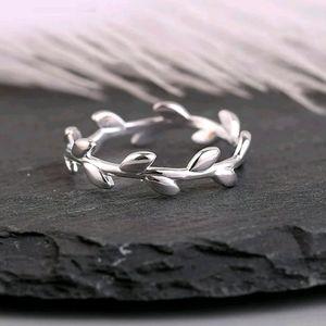 Leafy Silver Ring